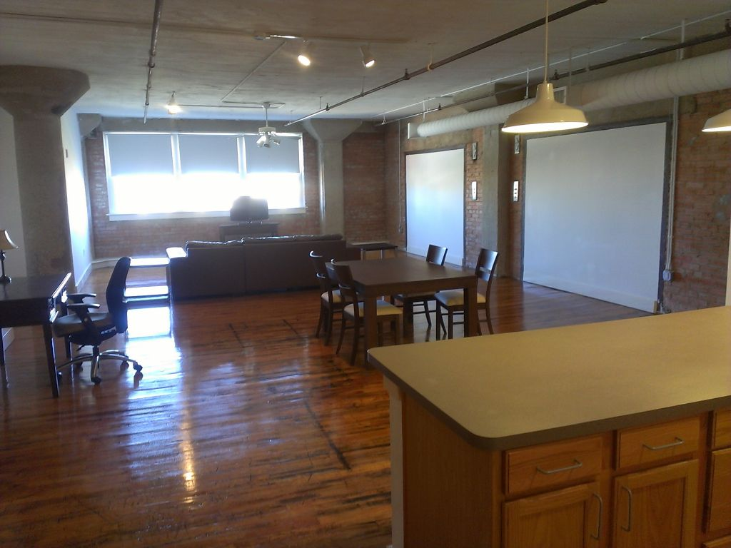 Large Two Bedroom Loft With Downtown View
