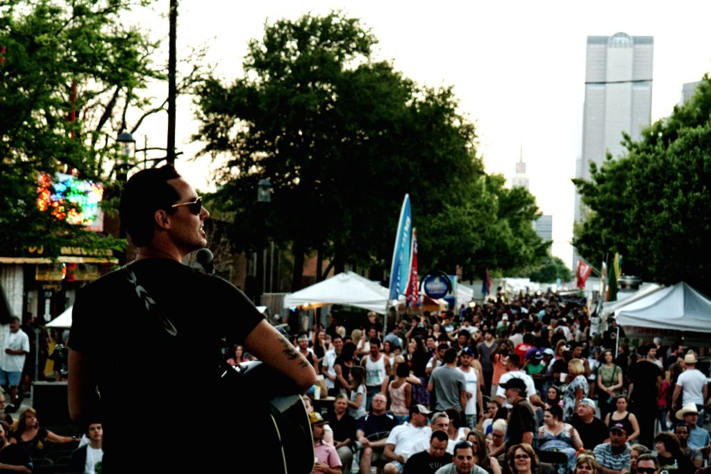 deep ellum arts festival live music