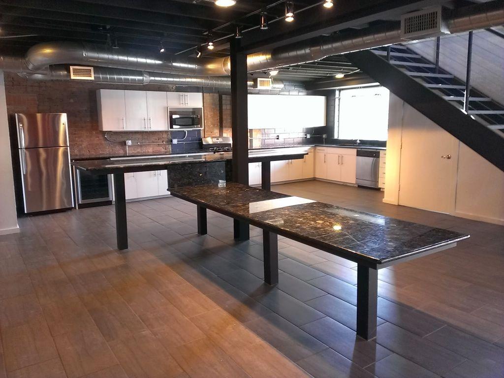 Built In Granite Bar U0026 Dining Room Table
