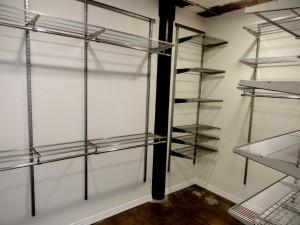 Suite 250 - Walk-in Closet