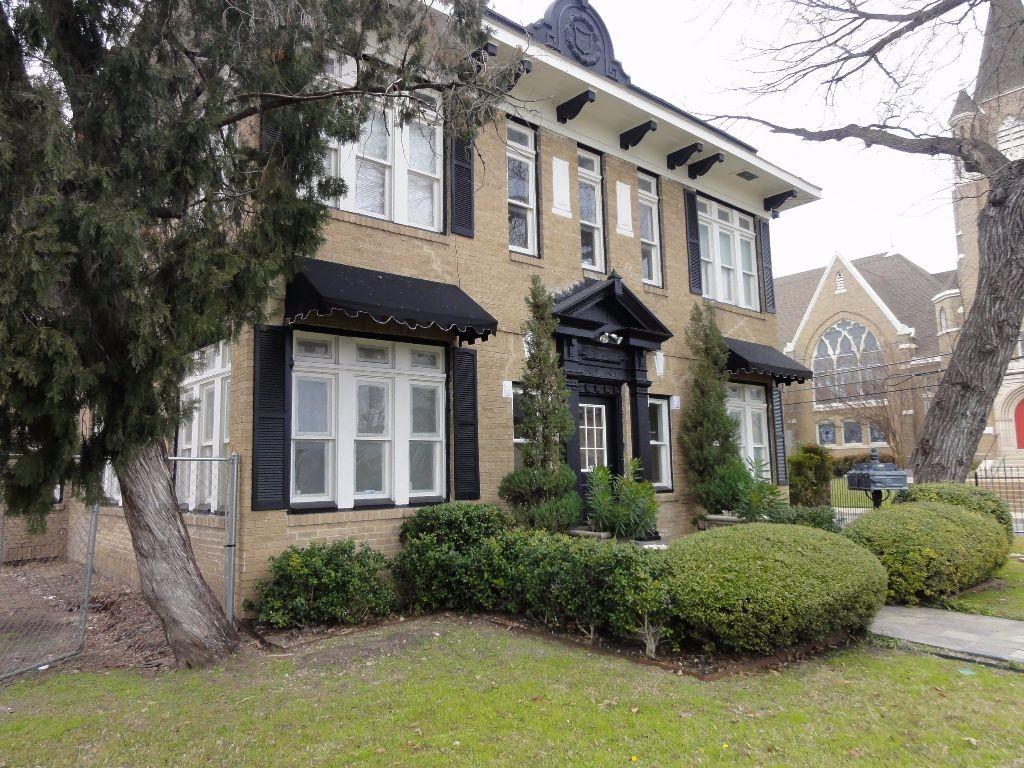 Historic 4 Plex For Rent Near Baylor Hospital