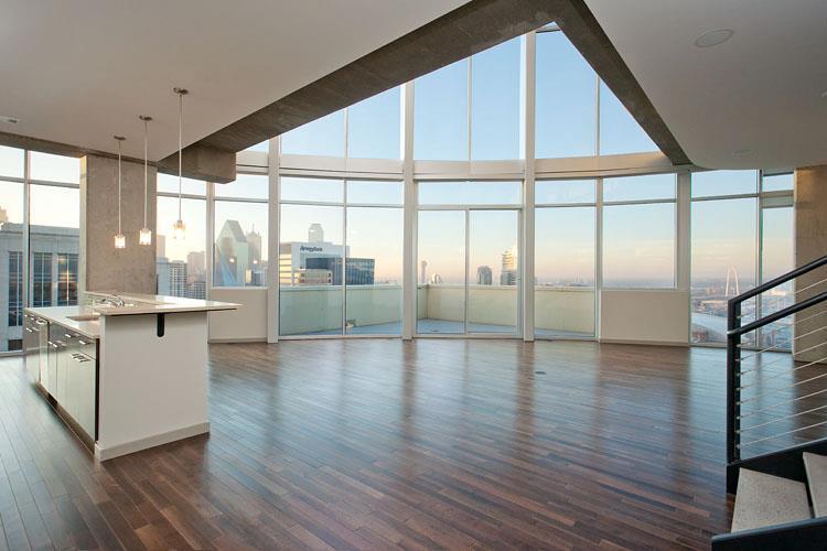 Uptown Dallas High Rise Downtown Views Pool Deck Floor