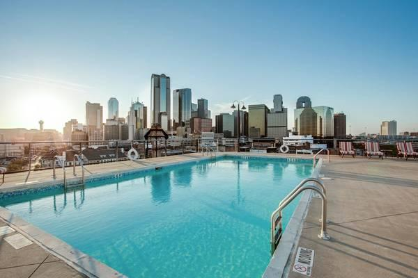 Lofts With Rooftop Pool Lofts Near Farmers Market Dallas