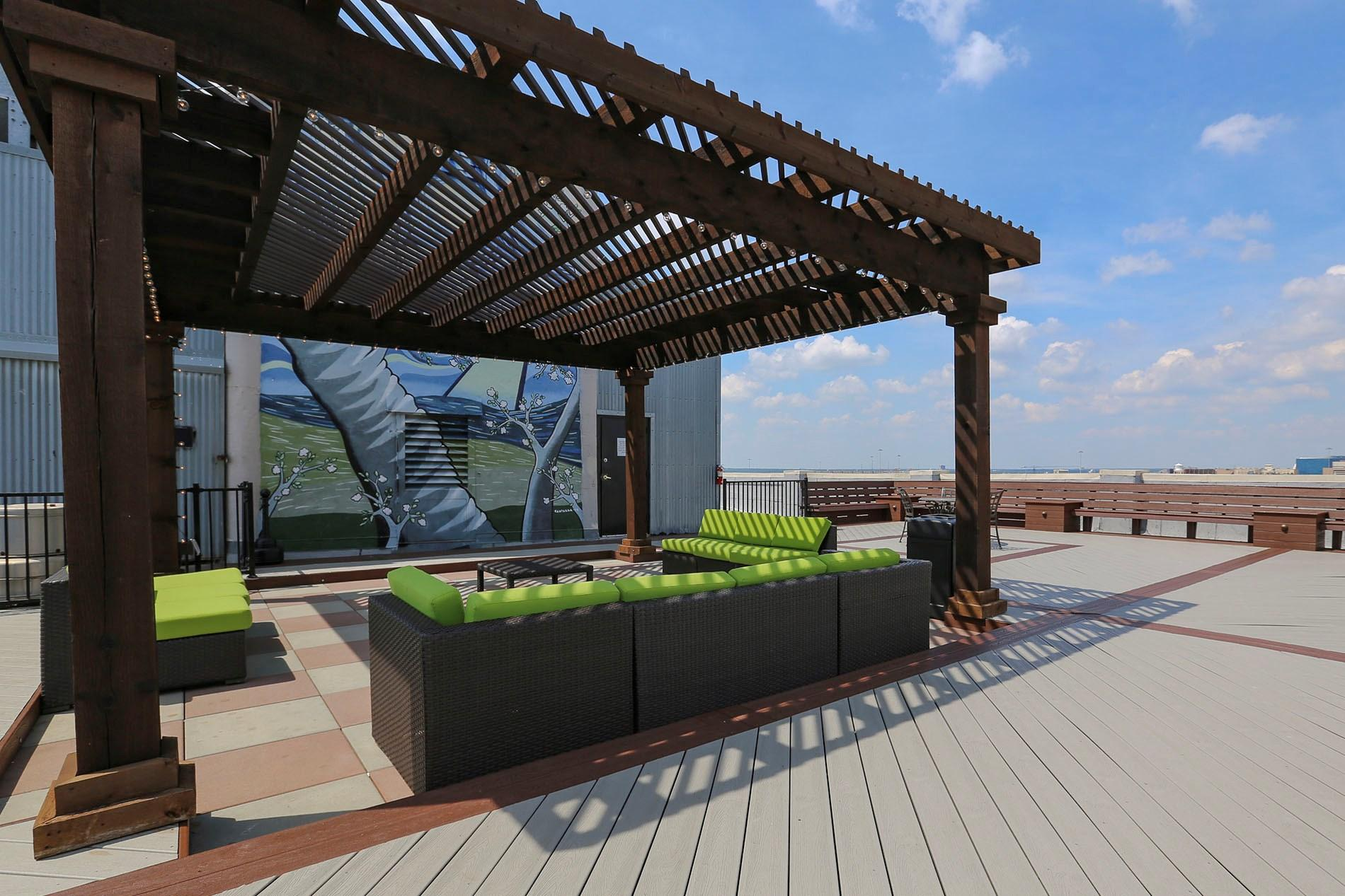 Rooftop Deck Deep Ellum Lofts With Concrete Floors 060